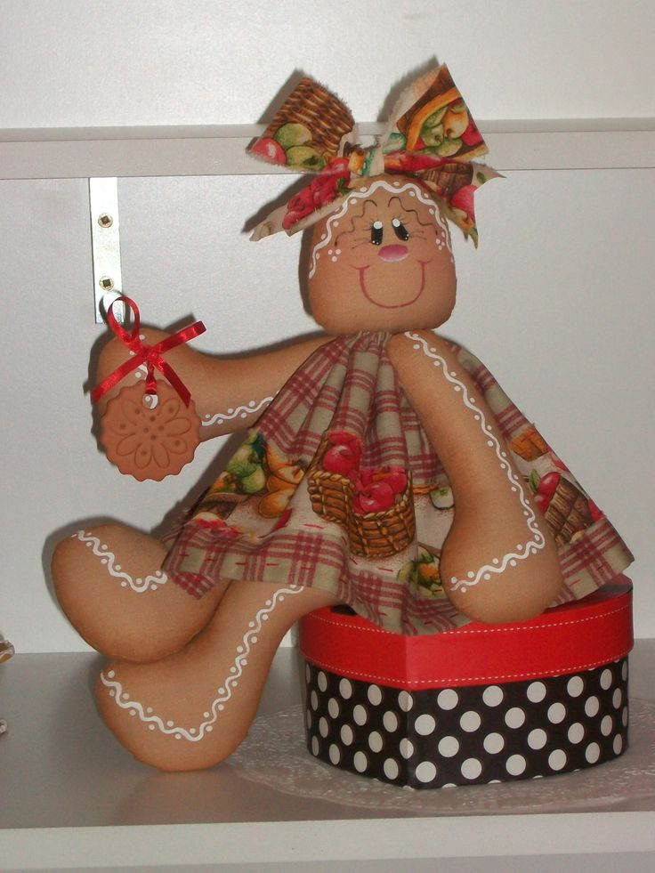 Cookie sentada. Proyecto diseñado y realizado en el TALLER DE LABORES GIRASOLES. Molde disponible (Pattern for sale)