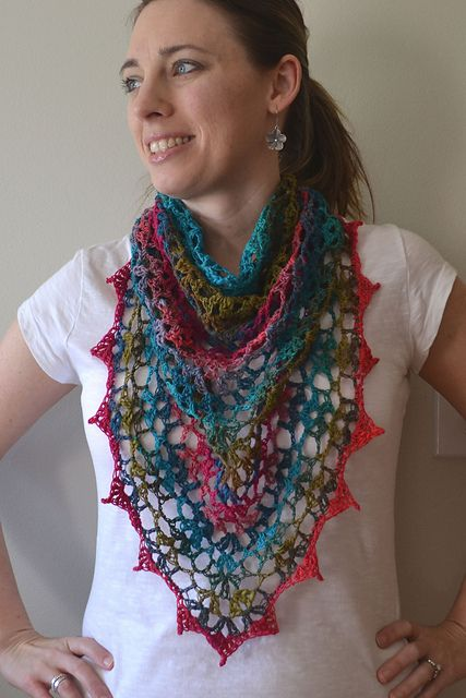 Gorgeous use of this pattern (linked from post) Crochetincolor.blogspot.com