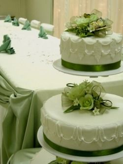 2 tier floating wedding cake stand 78 best images about 2 tier cake stand cakes on 10131
