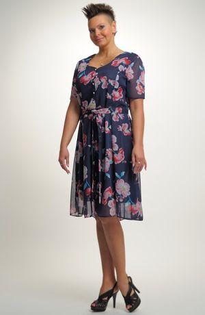 Dámské společenské krátké šaty ve vel. 46 d978080d9d2