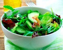 Salade concombre avocat (facile, rapide) - Une recette CuisineAZ