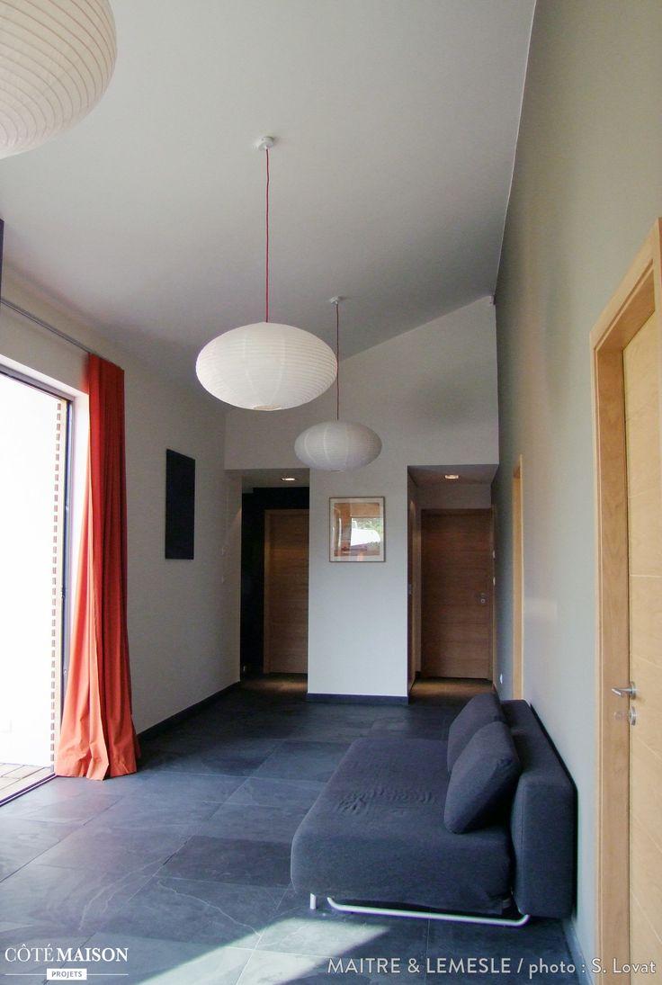 Lagence maitre lemesle a conçu cette habitation à ossature métallique comme une maison