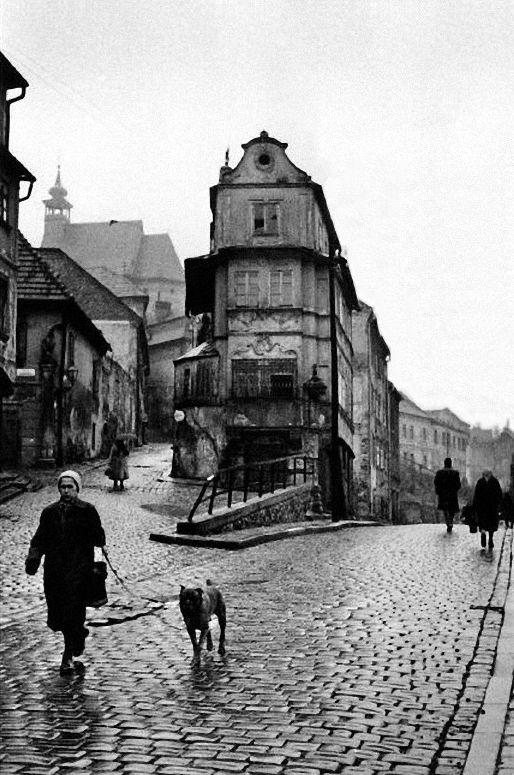 Inge Morath  Bratislava, Czechoslovakia, n.d.  From Magnum Photos/The Inge Morath Foundation  Thanks tom3zzaluna