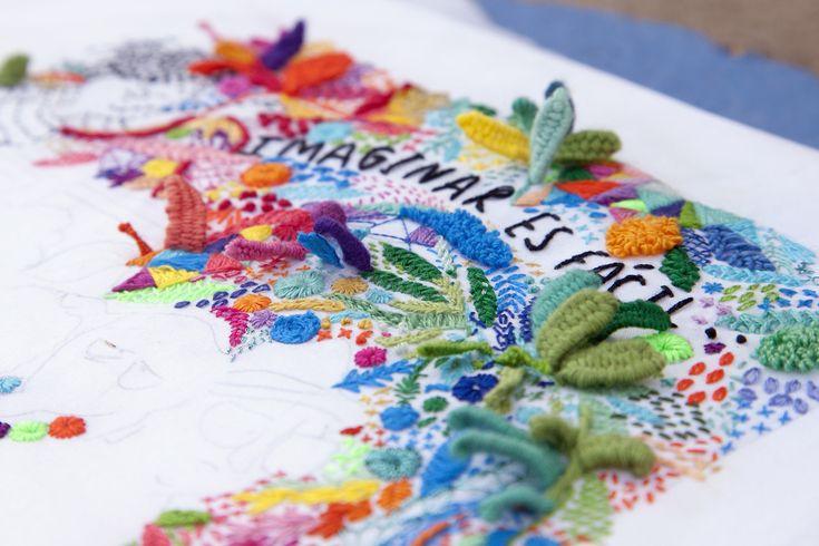 """Detalle del bordado para el libro """"Diario de una Volatil"""" Editorial Lumen. """"Imaginar es fácil""""... en este jardín tropical bordado! www.srtalylo.tumblr.com"""