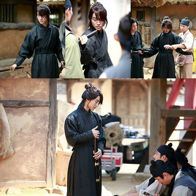 FNC ENTERTAINMENT updates on Naver Post of Kwak Dongyeon's drama shooting..Thank you @fishandcake for the updates.Our Kim hyung practiced with the action actors.See more at : http://naver.me/x7TcDs6Q (I also put it on my bio)