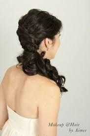 side ponytail curls