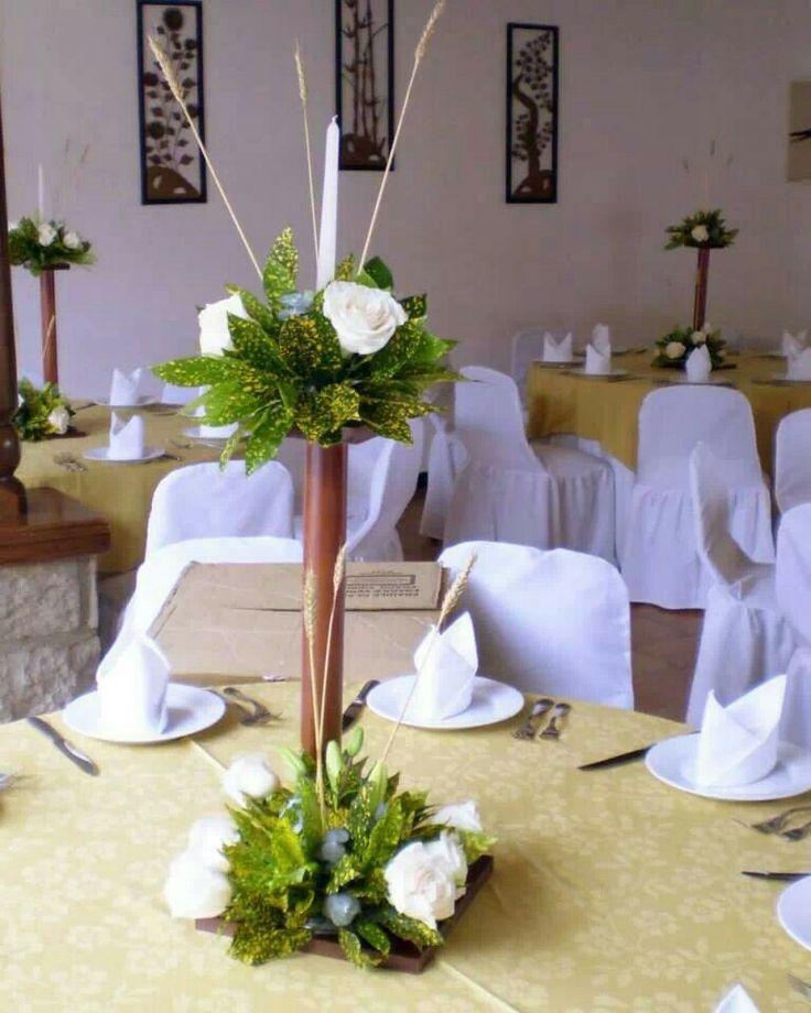 Arreglo sencillo boda pinterest - Adornos para mesas de centro ...