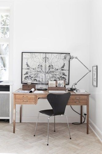 Corner office space. Via BO BEDRE. LOVE THE IMAGE ON THE DESK