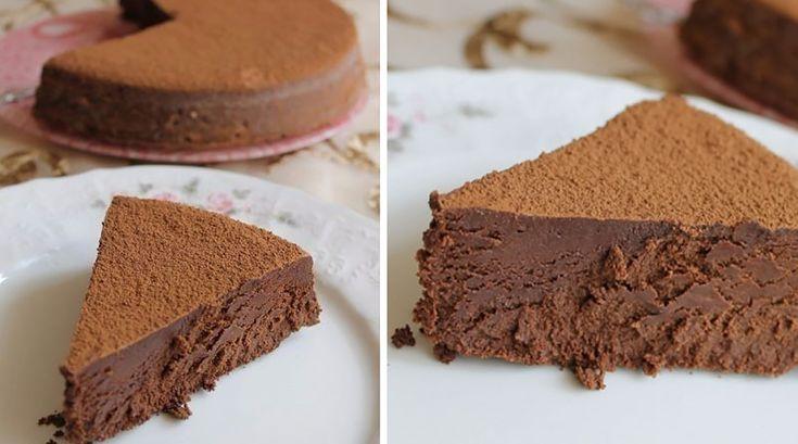 """Dacă vă place ciocolata, atunci trebuie să încercați neapărat acest desert rafinat, care abundă în ciocolată. """"Trufa Evei"""" este o prăjitură delicată, foarte frumoasă, incredibil de gustoasă și cu aromă intensă de cacao. Puteți prepara această prăjitură atunci când doriți sa vă încântați familia cu un desert deosebit și unic de felul său. Savurați cu plăcere aceasta prăjitură cu gust demențial! INGREDIENTE -225 g de unt -460 g de ciocolată cu conținut de cacao de 55-70 % -9 ouă -100 g de…"""