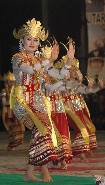 Welcome dancing from Lampung Indonesia