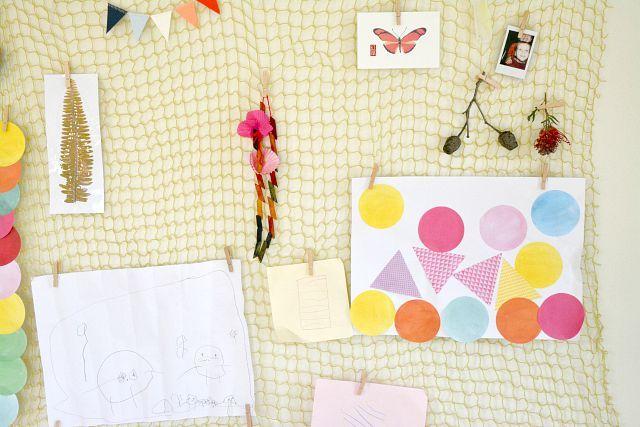 Displaying children's artwork and things... (how we montessori)