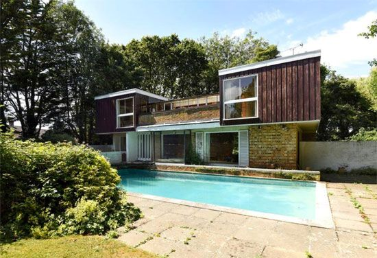 1960s modernist property in Chichester, West Sussex