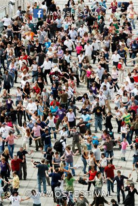 Big Dance Salsa - we attempted a Guinness World Record at Baltic Square in June 2008 as part of #vamosfestival2008. Photography - James Postlethwaite