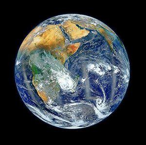 Día de la Madre Tierra: 22 de Abril, Día Internacional de la Madre Tierra. Recordemos que le debemos todo, que vivimos gracias a ella. Tengamos un día para pensar en la verdadera naturaleza y origen de nuestras vidas, de donde venimos y a donde iremos al finalizar la jornada.