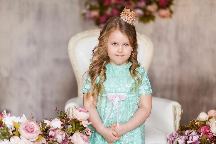 Наряды для принцесс: подборка красивых и доступных по цене платьев для девочек. Идеальны для выпускного в детском саду, дня рождения, утренника. http://prostiepokupki.com/blog/naryady-dlya-princess-b32.html