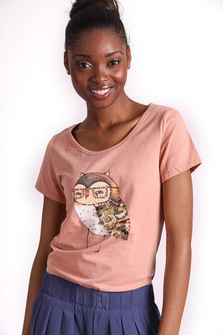 WISE OWL GRAPHIC T-SHIRT R 275.00 - Stretch t-shirt material - Round neckline - Short sleeves - Embellished owl graphic on front
