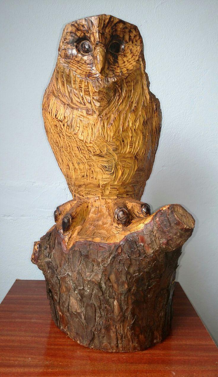 Escultura coruja arte com motosserra