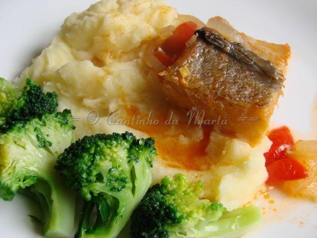 Bacalhau Estufado com Puré e Bróculos