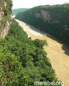 El majestuoso Cañón de Araracuara! ( Amazonas - Colombia)  #Viajes  Descubre la Colombia profunda con Mambe.org!