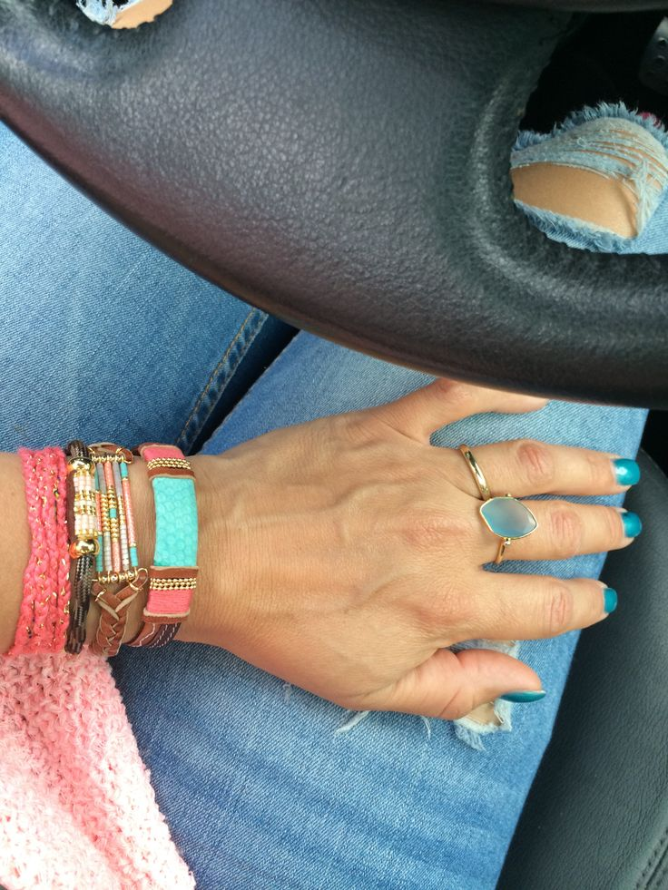 On my way to #Amsterdam #armcandy