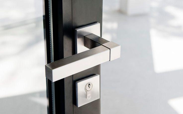 SQUARE luxe deur krukken & beslag by Jan des Bouvrie Collectie | Formani