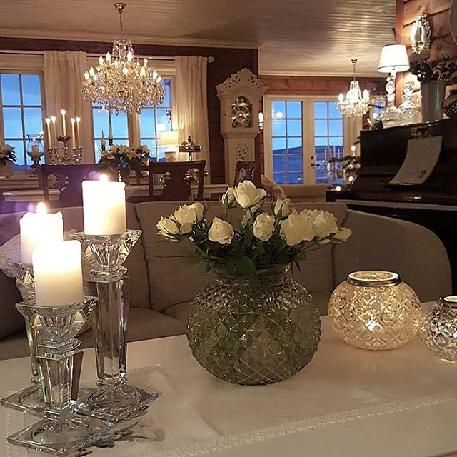 Wish You all a nice sunday   #christmas4you1 #interior4all #inspiration #inspirasjon #decoration #interiør #interiors #interior #christmas #jul #classyinteriors #interiorharmoni #interior_desember #igjuleglede #livingroom #stue #glaminterior1 #inspire_me_home_decor #passion4interior #mminterior #elegancehomes #interior123 #blomster #flowers #mynorwegianhome #finahem