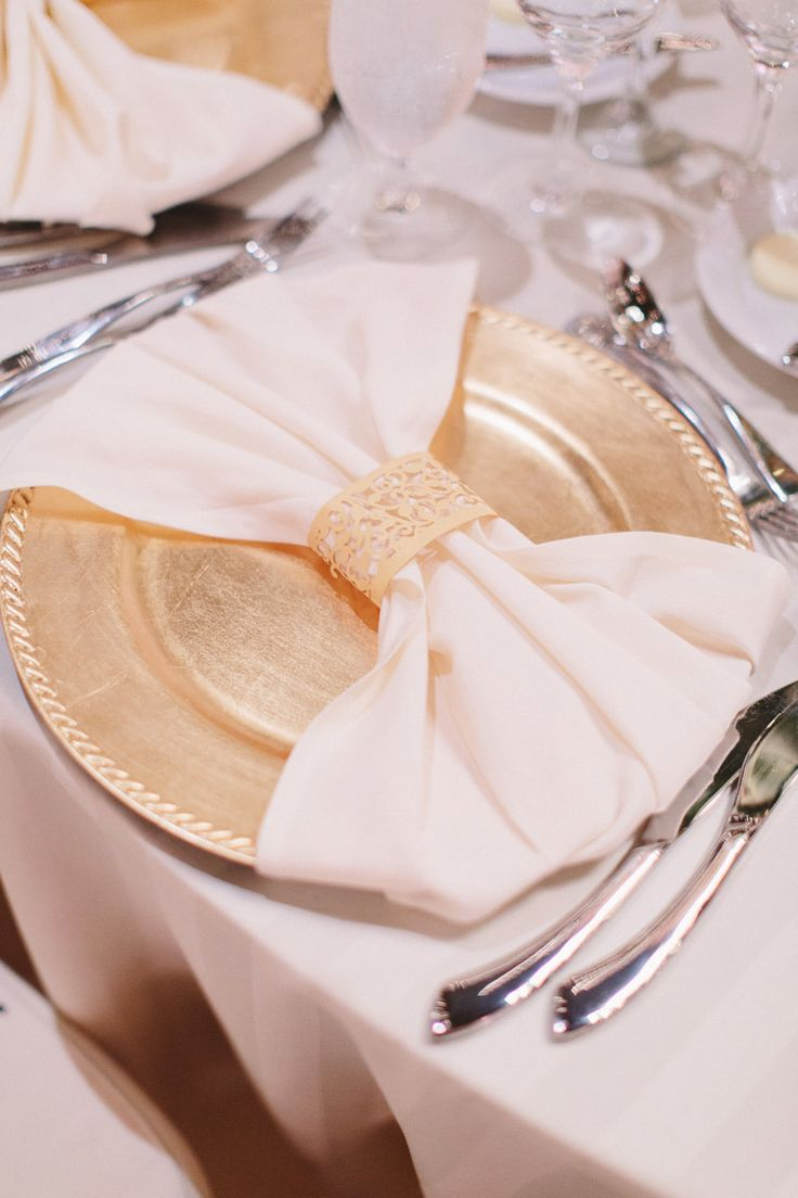 Best 25 Wedding Charger Plates Ideas On Pinterest Gold