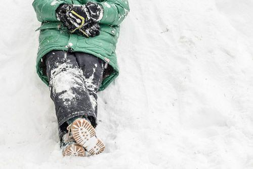 Dagboek donderdag!  Dit stukje in mijn dagboek gaat over spelen in de sneeuw en voorzichtig doen met de wasmachine.  Lees je mee?   zZiep.nl - Als ik het kan, kan jij het ook!