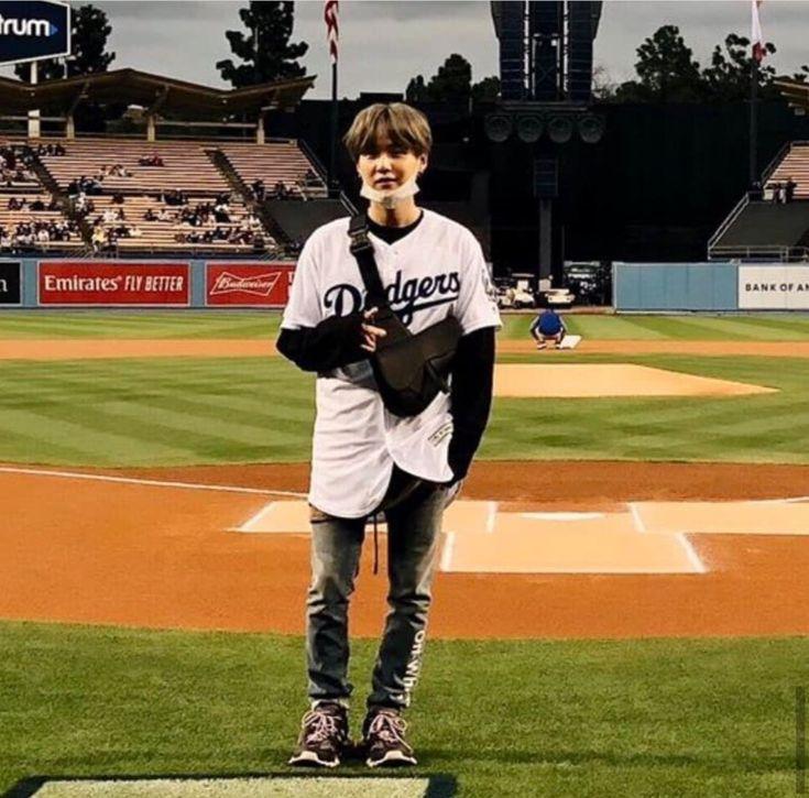 Yoongi Is Enjoying Dodgers Game