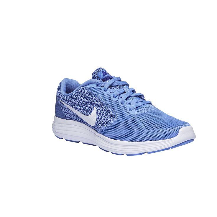 Športové tenisky Nike sú vhodné na beh aj chôdzu. Model so zdvihnutou špicou, ohybovými drážkami na podošve uľahčuje vedenie pohybu. Zvršok kombinuje pevné a priedušné materiály pre maximálny komfort.