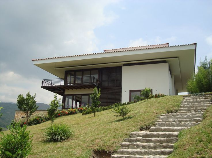 Casa suburbana de inspiración por las haciendas Vallecaucanas. #Cali #Yumbo #Altosmañanitas
