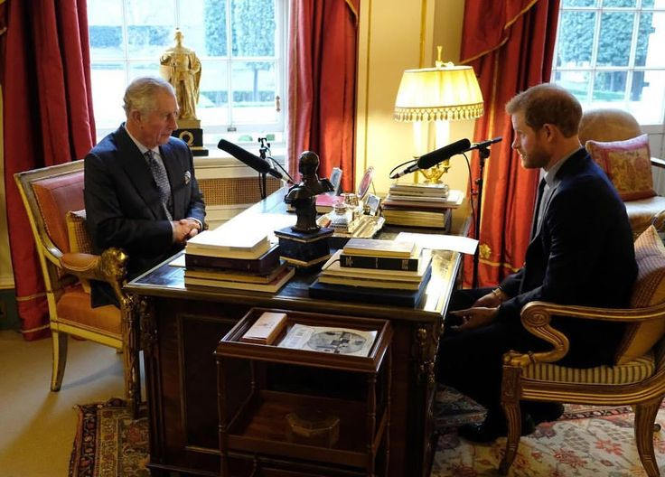 Today, Prince Harry is guest editing @bbcr4today, focusing on topics that are important to him. The programme includes an interview with HRH The Prince of Wales. Prince Harry spoke to his father about the busy year he has had, his key focus for 2018 and why he feels optimistic about the future. TRHs also spoke about the environment, an issue close to both their hearts. . . . #PrinceHarry #ThePrinceofWales #ClimateChange #BBCRadio4 via ✨ @padgram ✨(http://dl.padgram.com)