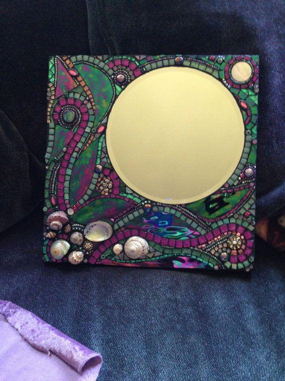 Fantasía por Moonjewelsandmosaics en Etsy, $299.00