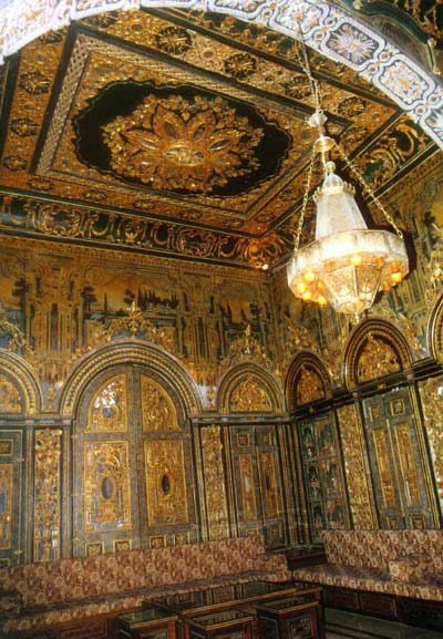 Amazing rich decoration of this old traditional house! - .Syria-