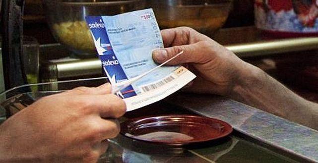 Los trabajadores podrán desgravarse 11 euros al día por vales de comida