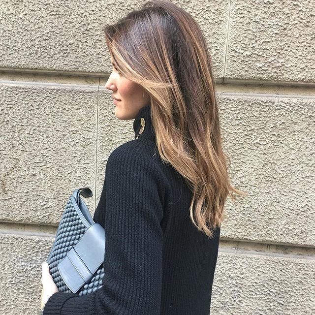 DIVINA ALEX RIVIERE con su Nuevo BRONDE!!!! Perfecta para celebrar la noche de REYES!!!! Nos ha encantado la Cartera de TISSA FONTANEDA para CRISTINA VALLS TABERNER @ariviere @cristinavalls #anarabyanalerida #mystyle #felicesreyesmagos #hairsalon #brondeluxe #felizdiadereyes