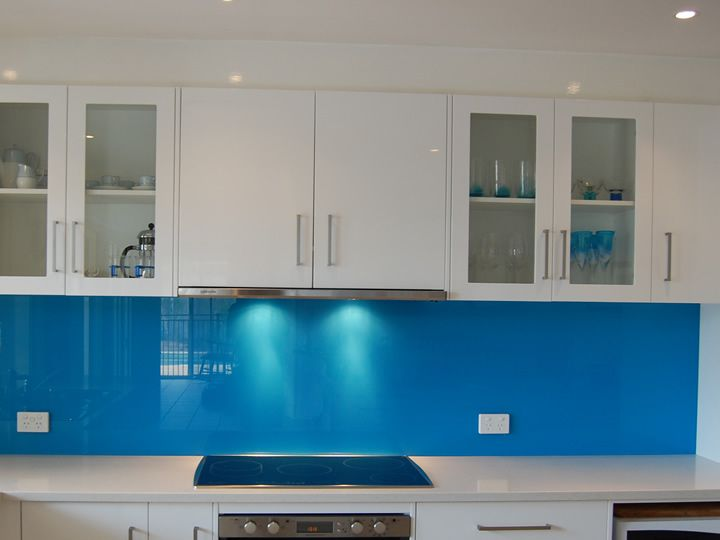 17 best images about blue kitchen splashbacks on pinterest for Bathroom decor and tiles midland