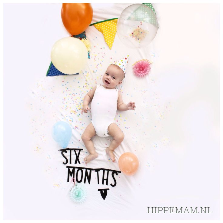 Half birthday photo idea #hippemam #alittlelovelycompany #halfbirthday