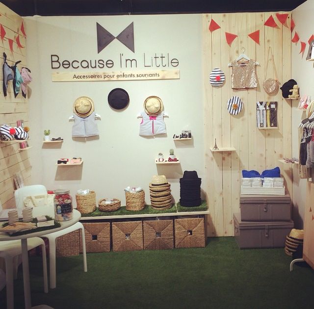 Because I'm little offers a quaint backdrop #tradeshow #vm #accessories