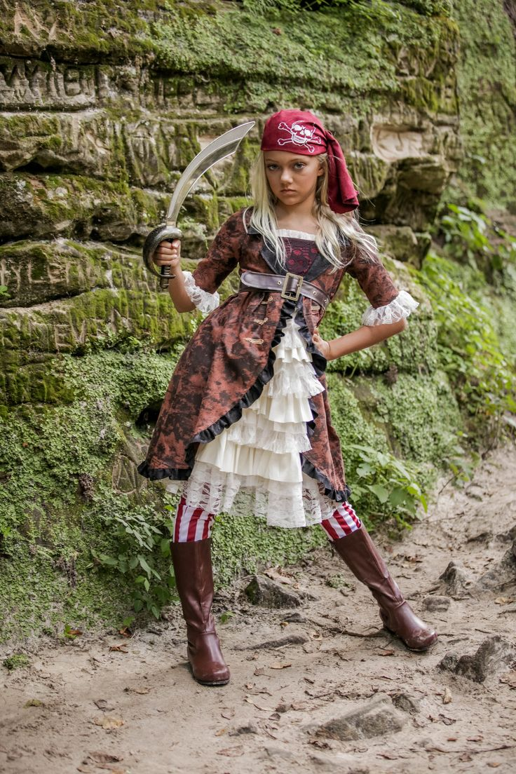 Cute kids Halloween costume- Looking for that perfect treasure-like of a costume this year? Well, X marks the spot with this awesome pirate costume right here!