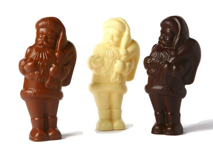 """Un dolce pensiero...il Babbo Natale di Cioccolato da 80 gr realizzato dall'Antica Cioccolateria Acese, disponibile nella versione """"al latte"""", """"fondente"""" e """"bianco"""". E' un prodotto artigianale realizzato in Sicilia!"""