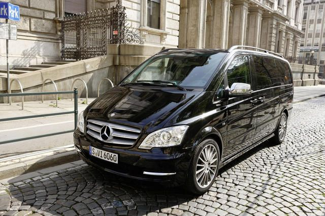 A Peek Inside the #MercedesBenz Carisma #Viano V1