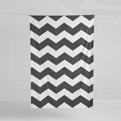 Chevron Grande Tablecloth Smoke 150x230cm