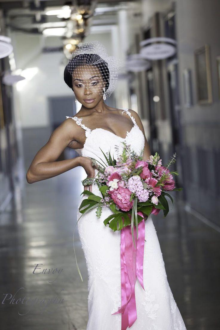 Modern Ghanaian Wedding Inspiration - large bouquet
