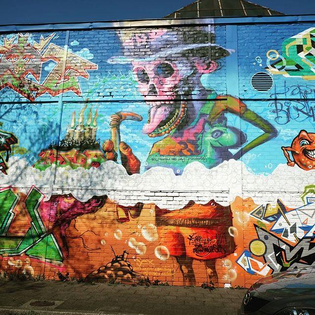 **Pinienstraße Flingern**#düsseldorf #dusseldorf #duesseldorf #nrw #Deutschland #germany #igersduesseldorfofficial #lovedüsseldorf #ig_düsseldorf #landeshauptstadt #dus #schönstestadtamrhein #0211 #nullzwoelf #thisisdüsseldorf #mydüsseldorf #likedüsseldorf #grafitti #art #wallart #instagrafitti #sprayart #spray #streetart #spraypaint #wallpicture #fassade #instalikes #urbanart #sreetartatlasdüsseldorf