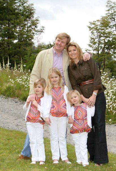 De nieuwe koning en koningin der Nederlanden! Wat een prachtige familie!