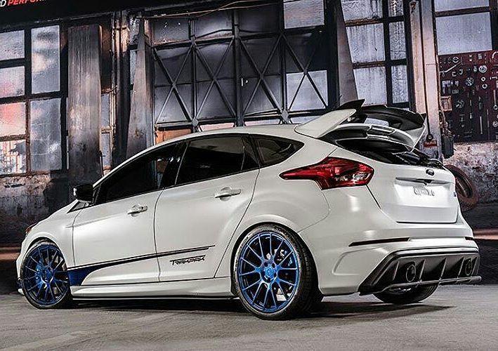 Obwohl Die Meisten Ford Focus Rs Mk3 In Blau Oder Grau Ausgeliefert Werden Haben Einige Tuner Ihm Schon Einen Eigenen L Ford Focus Ford Focus St Ford Focus Rs
