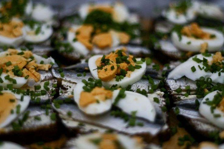 SYÖMÄÄN! 5.-6.5.on uusi ruokatapahtuma Virossa. Perinteikkäällä Laulukentällä tutustutaan virolaisen ruokakulttuurin nykytilaan perinteitä unohtamatta. Tapahtumaan on ilmainen sisäänpääsy, joten siellä kannattaa käydä jokaisen kulinaristin ja foodien. SYÖMÄÄN!-festarilla on annettavaa myös ammattilaiselle. Tapahtuma, on huomioinut perheen pienimmät omalla leikkialueella. #eckeröline #tallinna #tallinn #syomään #sööma