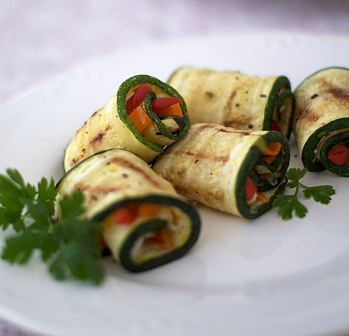 grilled zucchini roll-ups: Healthy Cooking, Food Recipes, Afternoon Snacks, Grilled Zucchini, Roll Ups, Belle Peppers, Heat Ovens, Kids Pictures, Zucchini Rolls Up