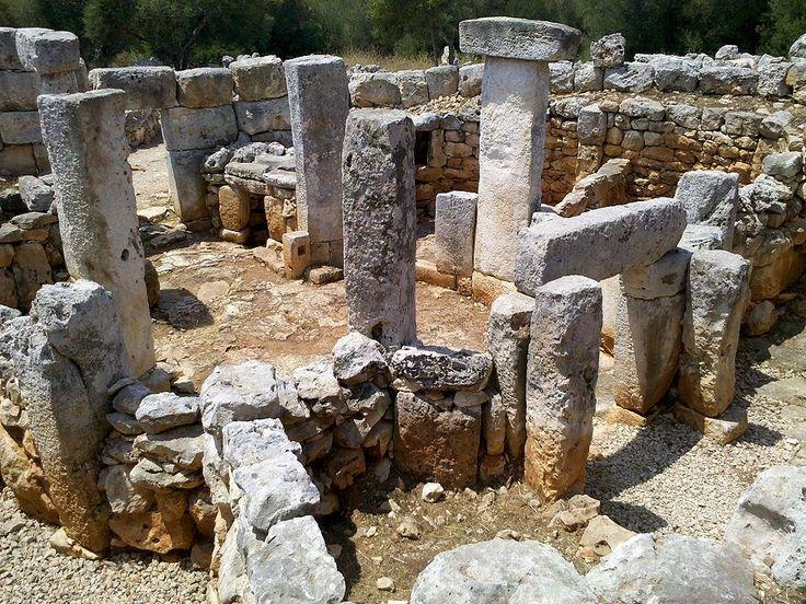 TORRE D´EN GALMÉS (Alaior, Menirca) - El poblado prehistórico más grande de las Islas Baleares, con una extensión estimada de de 62.000 m2